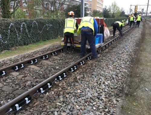 Raildempers aanleggen bij Amsterdam Watergraafsmeer